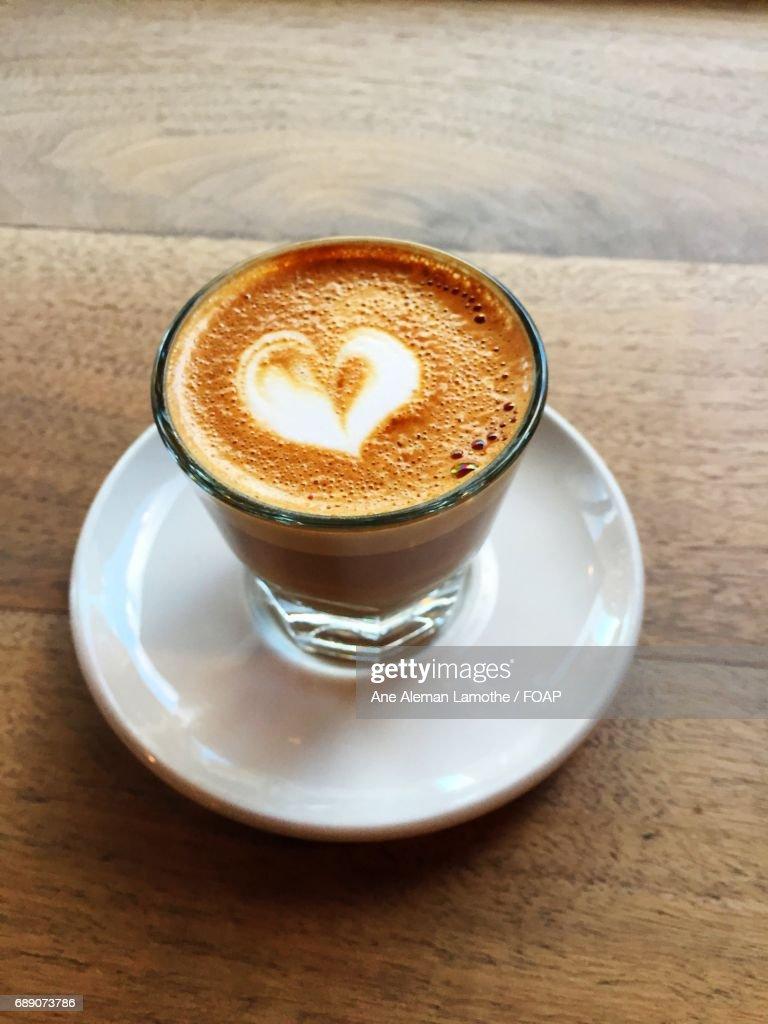 Heart shape on coffee cup : Stock Photo