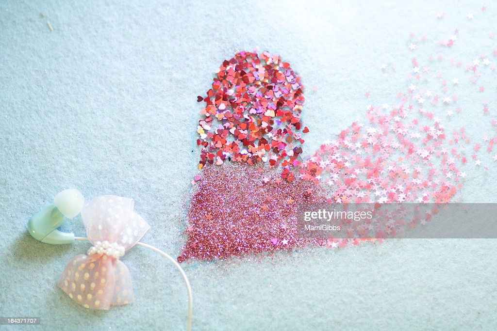 Heart shape.and earphone. : Stock Photo