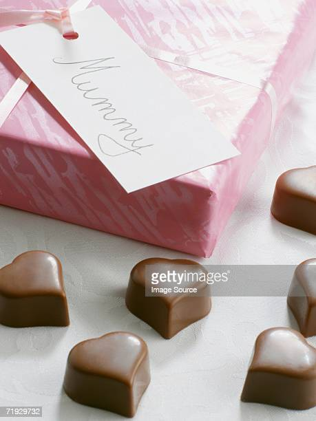 heart shaped chocolates for mothers day - mothers day card stock pictures, royalty-free photos & images
