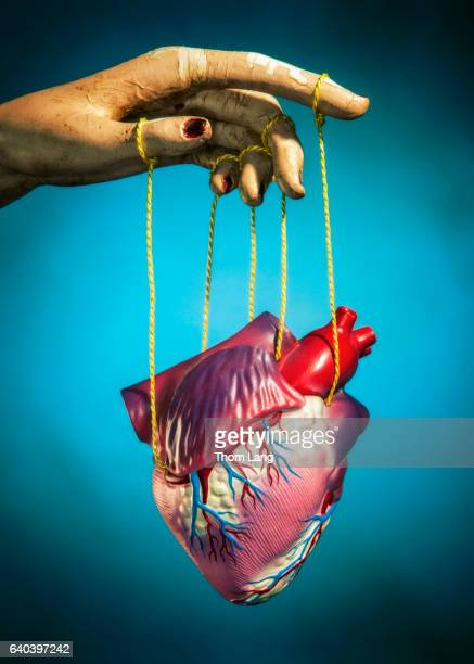 heart strings - broken heart stock pictures, royalty-free photos & images