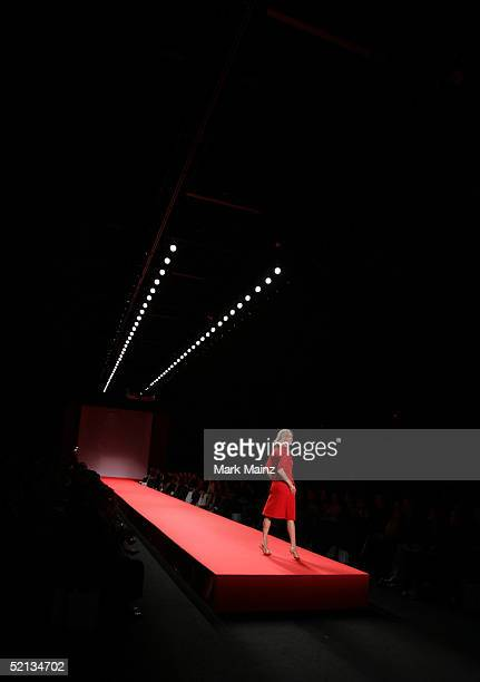 Heart Truth Red Dress Collection - Runway