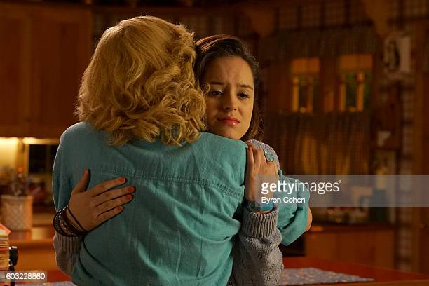 THE GOLDBERGS I Heart Video Dating Erica and Lainey try to find Bill a woman of interest by using new technology for dating They recruit Adam to...
