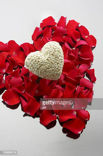 heart with roses - scrollen stock pictures, royalty-free photos & images