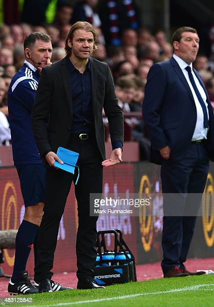 Hearts manager Robbie Neilson during the Ladbrokes Scottish Premiership match between Heart of Midlothian FC and St Johnstone FC at Tynecastle...