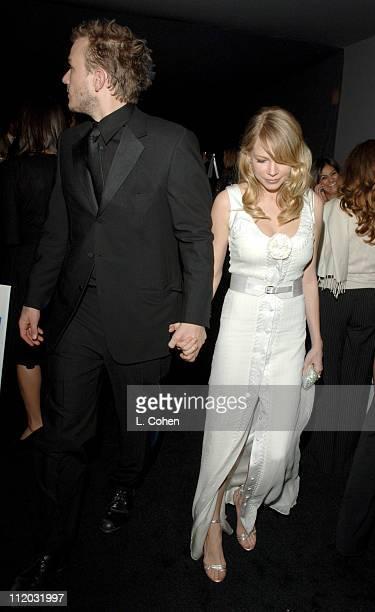 Heath Ledger and Michelle Williams 10612_lc0309jpg