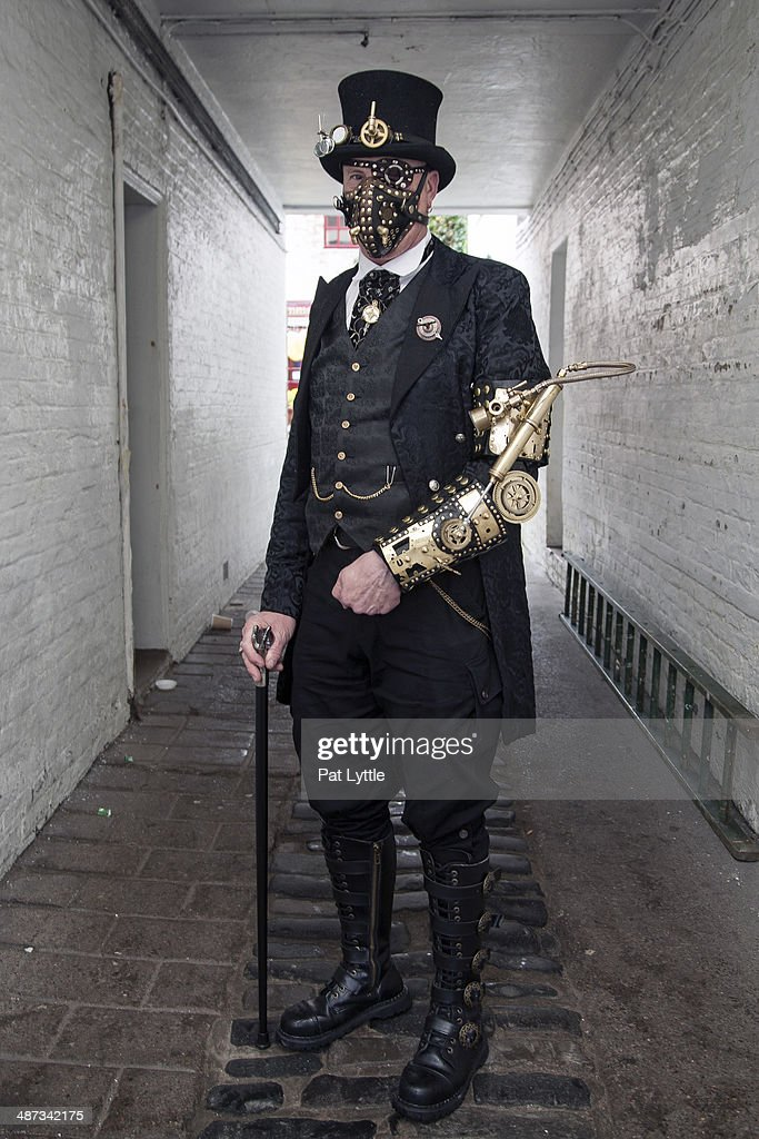 Street Style - Whitby Goth Weekend : News Photo