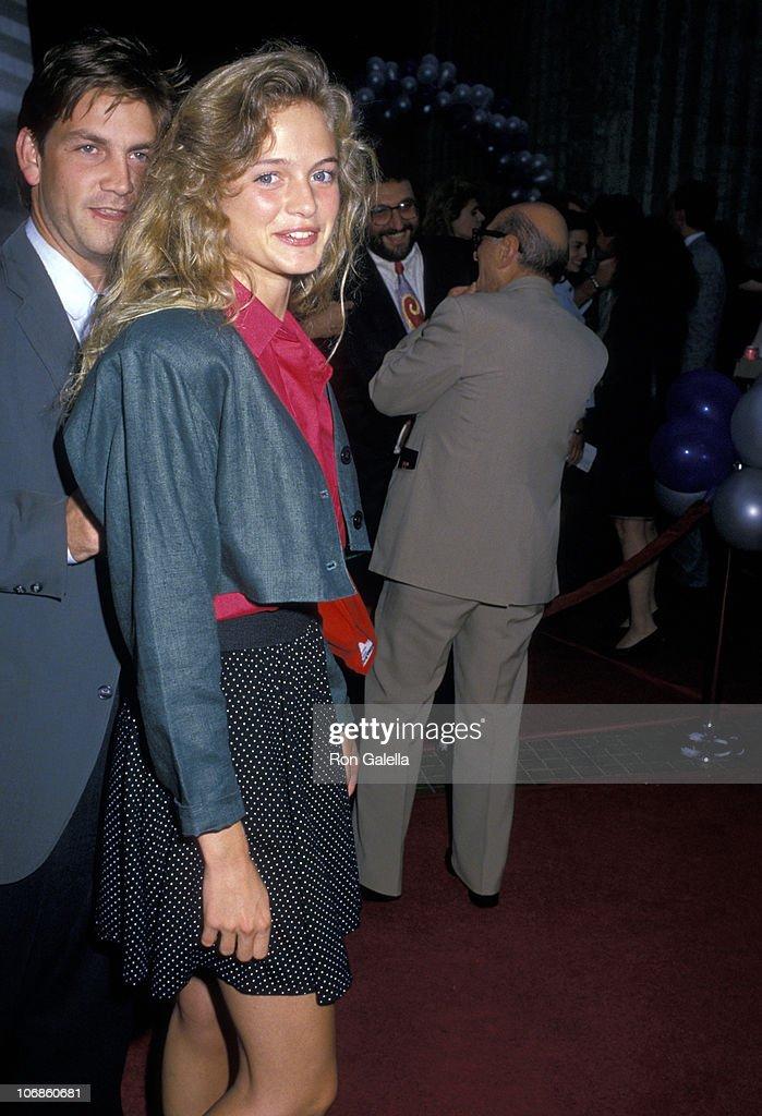 """""""Die Hard"""" Los Angeles Premiere - July 12, 1988 : News Photo"""