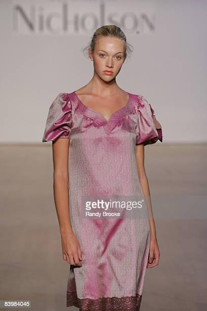 Heather Hahn wearing Jennifer Nicholson Spring 2006