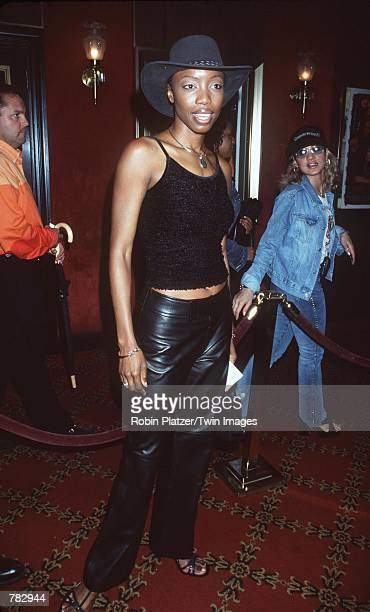 Heather Headley attends the premiere of her new movie 'Coyote Ugly' July 31 2000 at the Ziegfeld Theatre in New York City