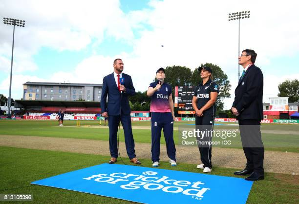 Heather Knight of England and Suzie Bates of New Zealand take part in the coin toss during the ICC Women's World Cup match between England and New...