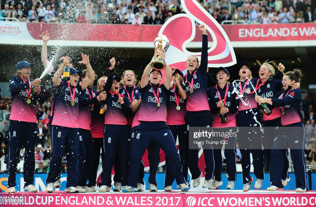 Heather Knight of England (C) lifts the World Cup trophy during the ICC Women's World Cup 2017 Final between England and India at Lord's Cricket Ground on July 23, 2017 in London, England.
