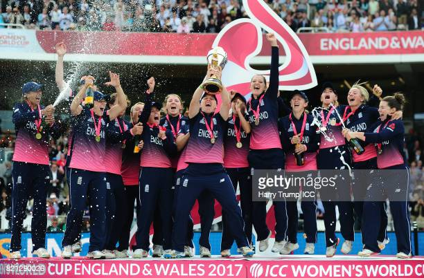 Heather Knight of England lifts the World Cup trophy during the ICC Women's World Cup 2017 Final between England and India at Lord's Cricket Ground...