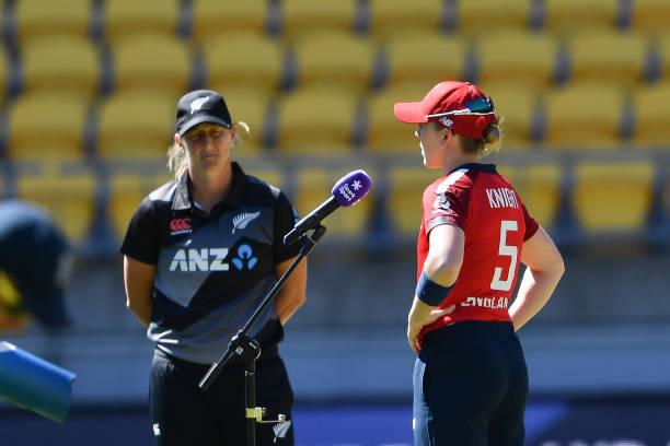 NZL: New Zealand v England - T20 Game 2