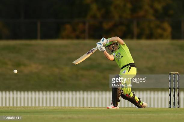 Heather Knight of the Thunder bats during the Women's Big Bash League WBBL match between the Brisbane Heat and the Sydney Thunder at Blacktown...