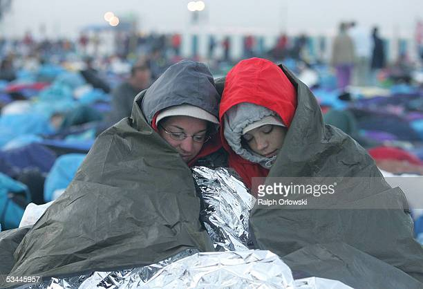 Heather La Scala and Mindy Snyder, members of the St. Catharine?s Parish from the Allentown Diocese in Pennsylvania, USA, sleep at the Marienfeld...