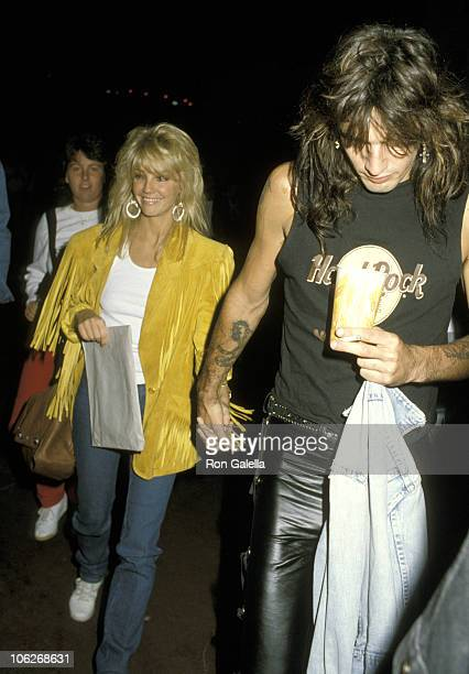 Heather Locklear and Tommy Lee during Party at Roxy Hosted by Michelle Meyer November 3 1986 at Roxy in Hollywood California United States