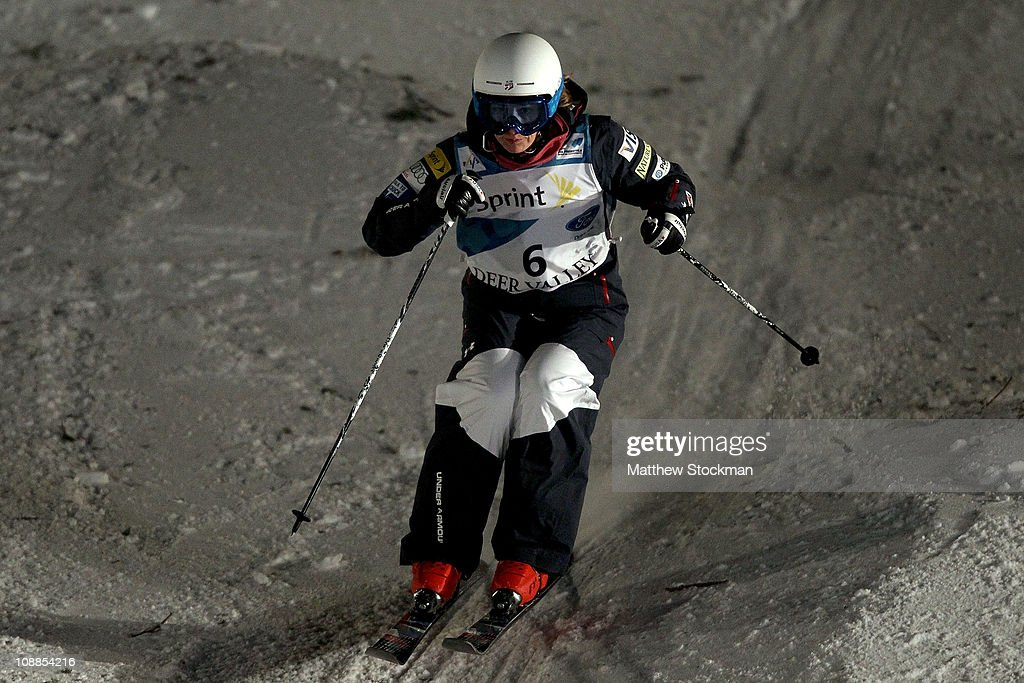 Heather McPhie competes in the ladies' Dual Moguls final at the FIS Freestyle World Championships at Deer Valley Resort on February 5, 2011 in Park City, Utah.