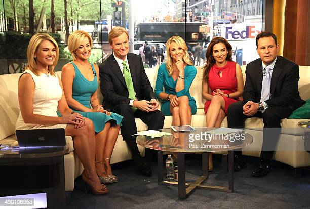 Heather Nauert Kellie Pickler Steve Doocy Elisabeth Hasselbeck Maria Molina and Brian Kilmeade visit FOX Friends at FOX Studios on May 13 2014 in New...