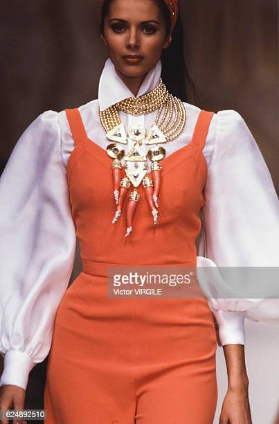 Heather Stewart Whyte walks the runway at the Valentino Ready to Wear Spring/Summer 1993 fashion show during the Paris Fashion Week on October, 1992...