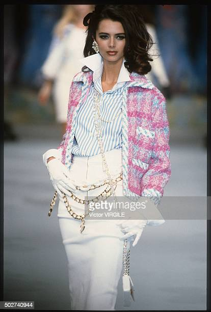 Heather Stewart Whyte walks the runway during the Chanel Ready to Wear show as part of Paris Fashion Week Spring/Summer 19921993 in October 1992 in...