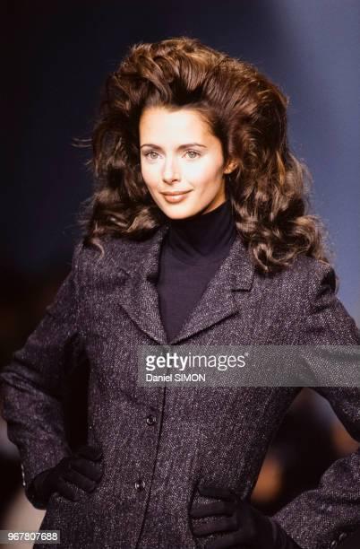 Heather Stewart-Whyte au défilé Marcel Marongiu, Prêt-à-Porter, collection Automne-Hiver 1995-96 à Paris en mars 1995, France.