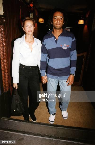 Heather Stewart-Whyte et Yannick Noah en septembre 1998 à Saint Tropez, France.