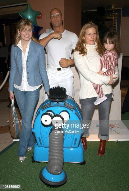 Heather Tom Mr Clean Noonoo Ana Gasteyer and daughter Francis