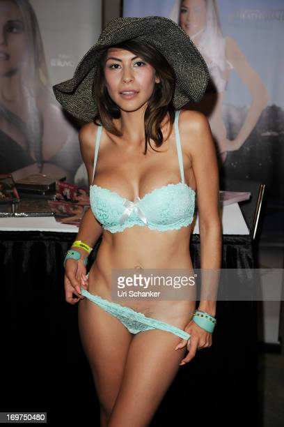 Heather Vahn attends Exxxotica Expo 2013 on May 31 2013 in Fort Lauderdale Florida