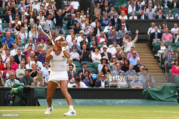 Heather Watson of Great Britain celebrates victory in the Mixed Doubles Final against Robert Farah of Columbia and AnnaLena Groenefeld of Germany on...