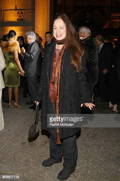Heather Watts attends VANITY FAIR Tribeca Film Festival Party hosted by Graydon Carter and Robert DeNiro at The State Supreme Courthouse on April 26...