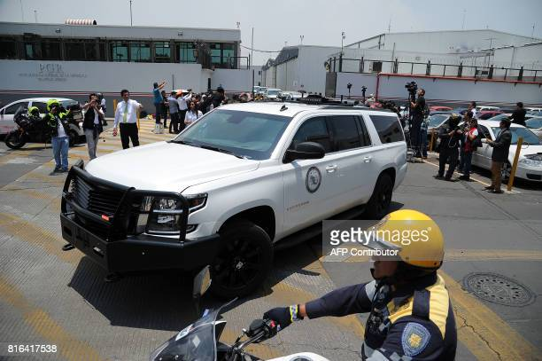 A heavily guarded convoy transports former governor of Veracruz Javier Duarte on July 17 2017 upon his arrival in Mexico City on July 17 2017 Mexican...