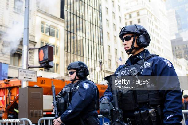 Heavilyarmed police keep watch in Midtown Manhattan on Election Day Both Donald Trump and Hillary Clinton are due to hold election night events in...