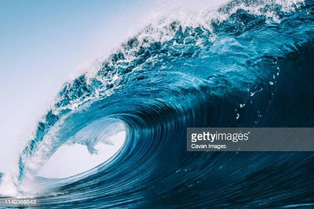 heavy and blue wave of tenerife - onda imagens e fotografias de stock