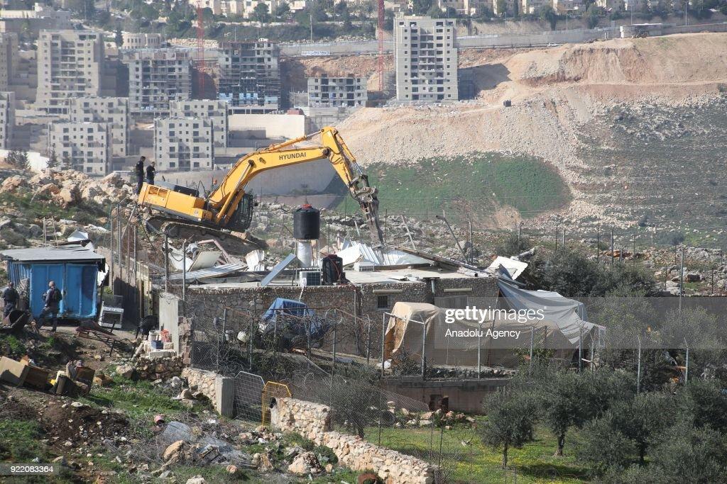 Israeli army demolishes Palestinian's house in Jerusalem : News Photo
