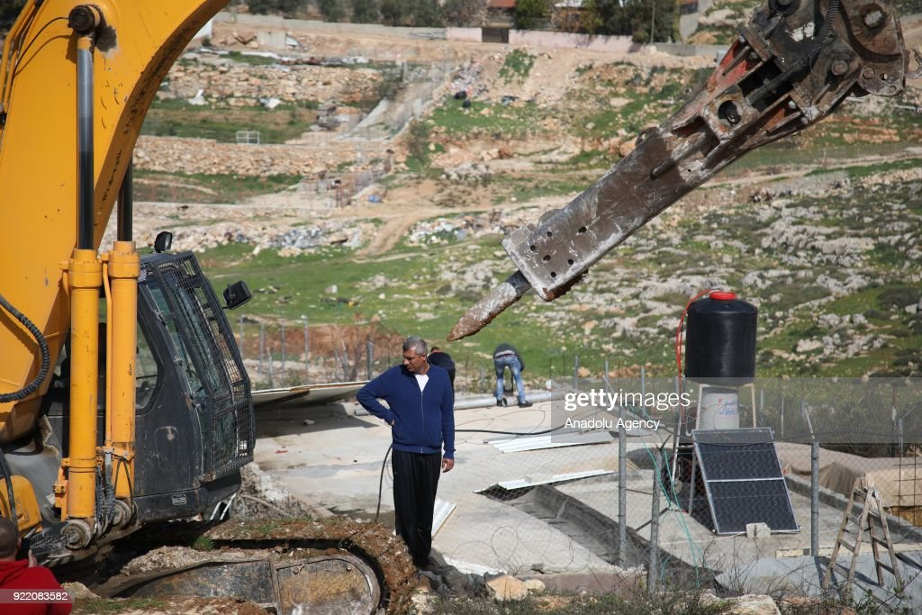 Israeli army demolishes Palestinian's house in Jerusalem : News Photo