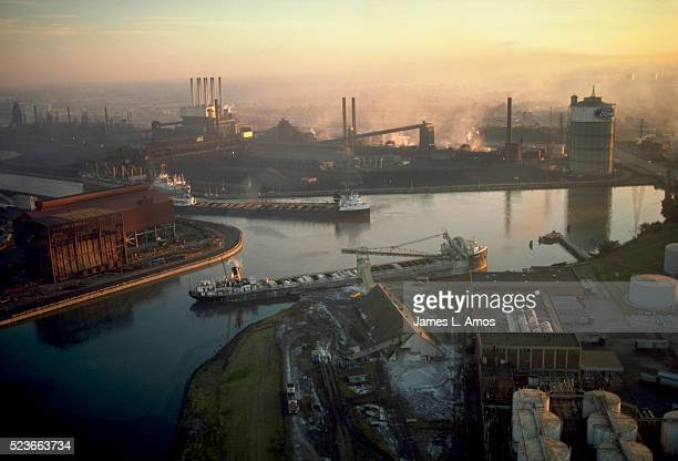 heavy industry on river rouge - detroit river stock pictures, royalty-free photos & images