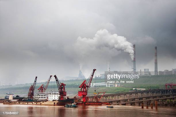 Heavy Industry on the Yangtze River