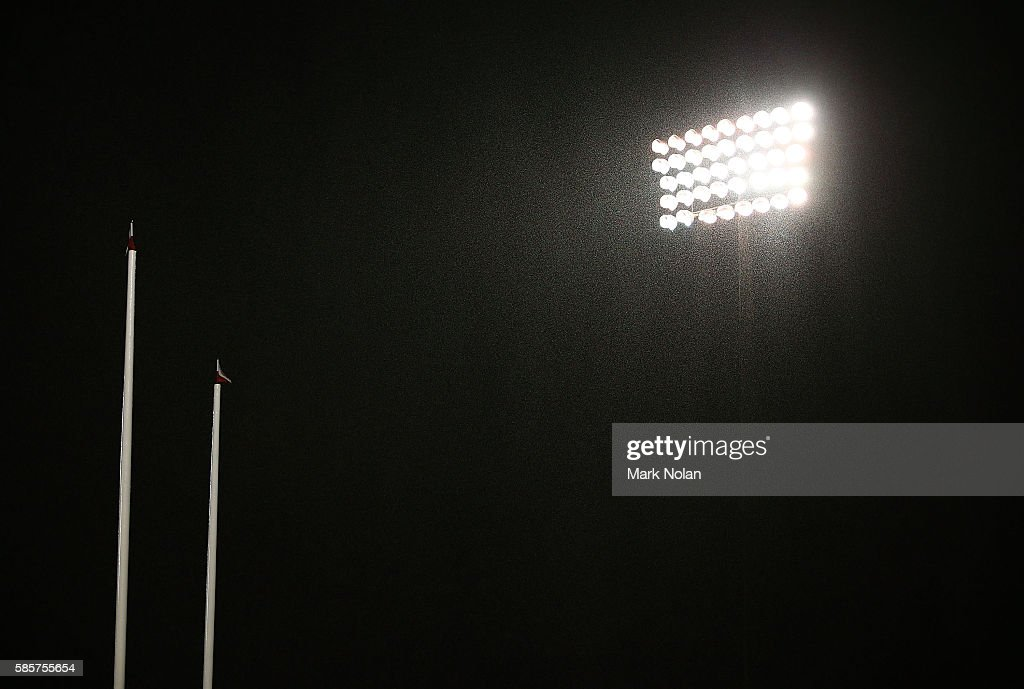 Heavy rain falls during the round 22 NRL match between the St George Illawarra Dragons and the Brisbane Bronocs at WIN Stadium on August 4, 2016 in Wollongong, Australia.