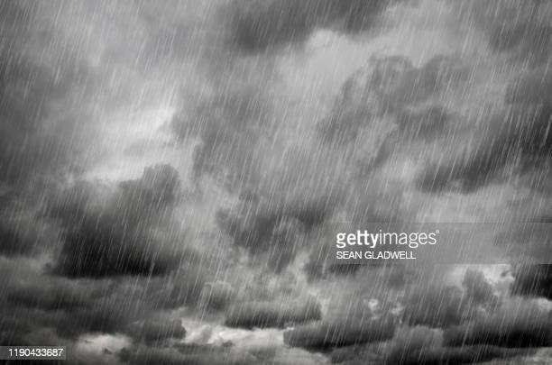 heavy rain - torrential rain stock pictures, royalty-free photos & images
