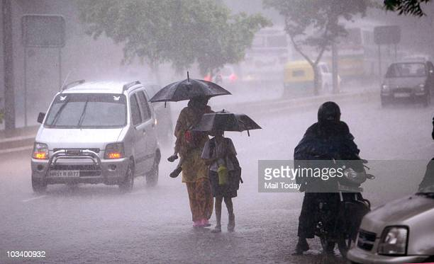 Heavy rains in the capital cause waterlogging on the roads on Saturday