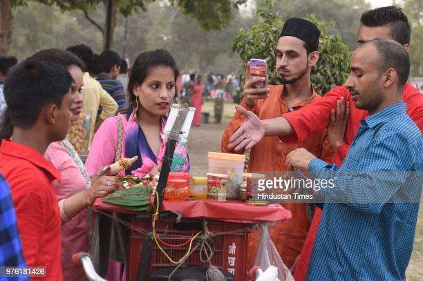 Heavy rush seen on the occasion of EidUlFitr festival at India Gate on June 16 2018 in New Delhi India The auspicious occasion of EidUlFitr is a...