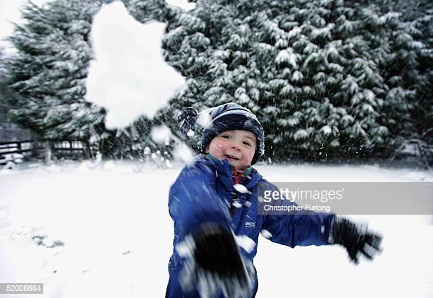Heavy Snow Falls Over Scotland