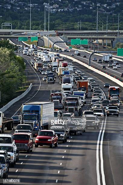 Hohen Verkehrsaufkommens in Lane oben fahren Sie