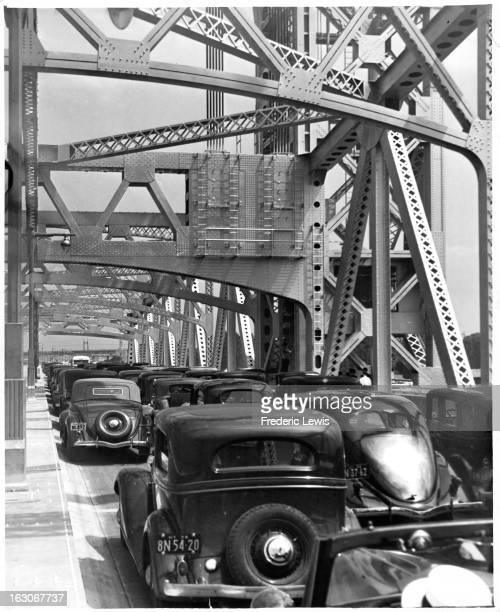 Heavy traffic while crossing the Triborough Bridge heading toward Queens, New York, circa 1935.