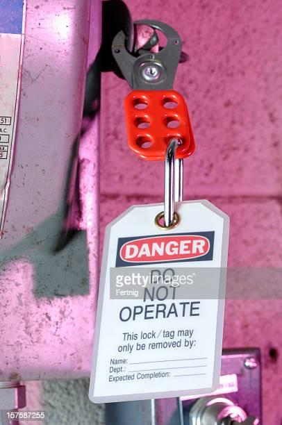 Heavy-duty main breaker electrical lockout