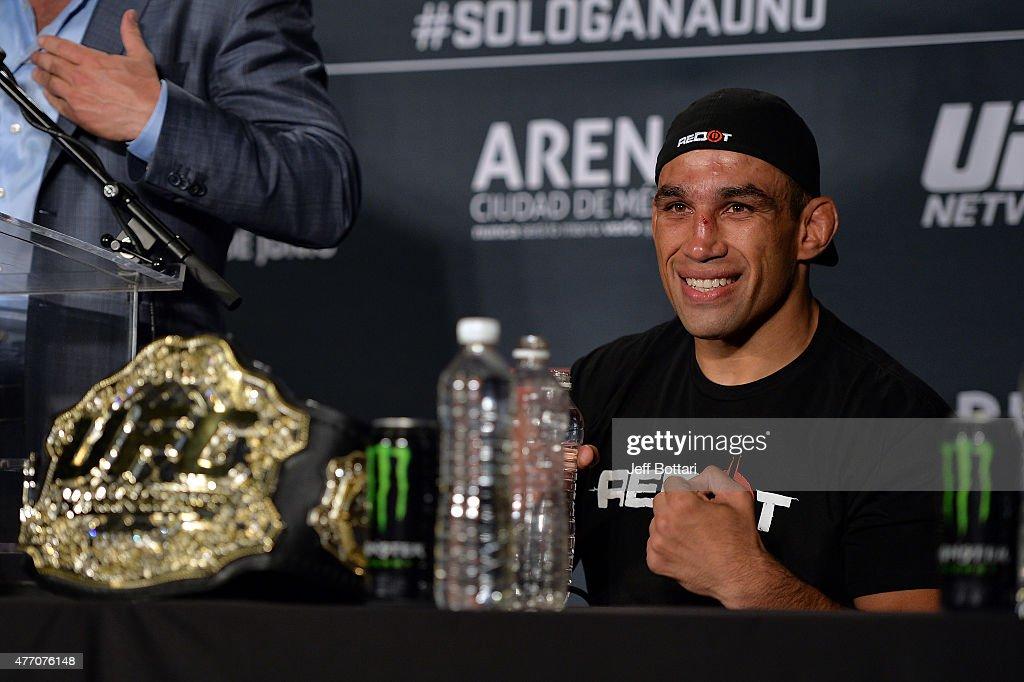 UFC 188: Velasquez v Werdum : News Photo