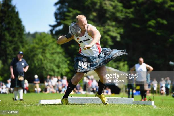 A heavyweight competitor competes at the Inveraray Highland Games on July 18 2017 in Inverarary ScotlandThe Games celebrate Scottish culture and...