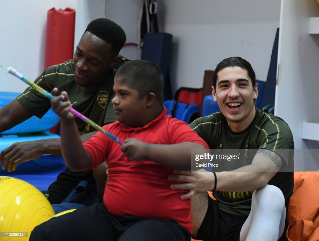 Arsenal Players Visit Rashid Centre for The Determined Ones : News Photo