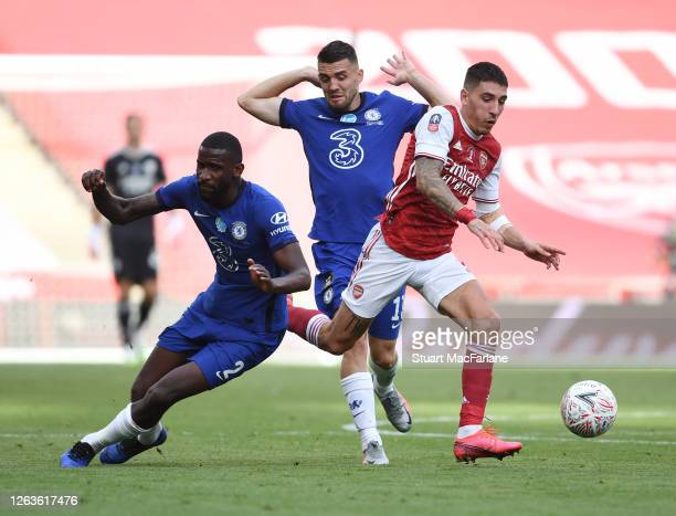 Hector Bellerin of Arsenal breaks past Antonio Rudiger and Mateo Kovacic of Chelsea during the FA Cup Final match between Arsenal and Chelsea at...