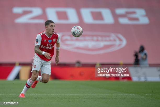 Hector Bellerin of Arsenal control ball during the FA Cup Semi Final match between Arsenal and Manchester City at Wembley Stadium on July 18 2020 in...